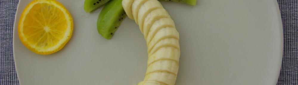 Palme aus Banane, Kiwi und Orange