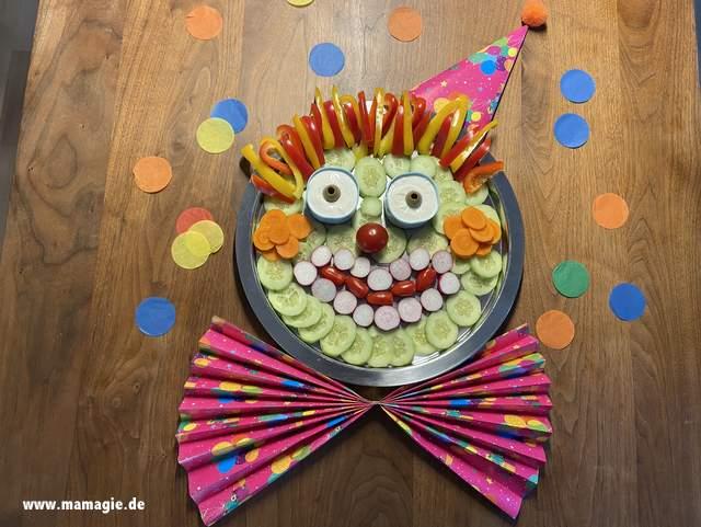 Clown aus Gemüse für Kinder zu Fasching und Karneval