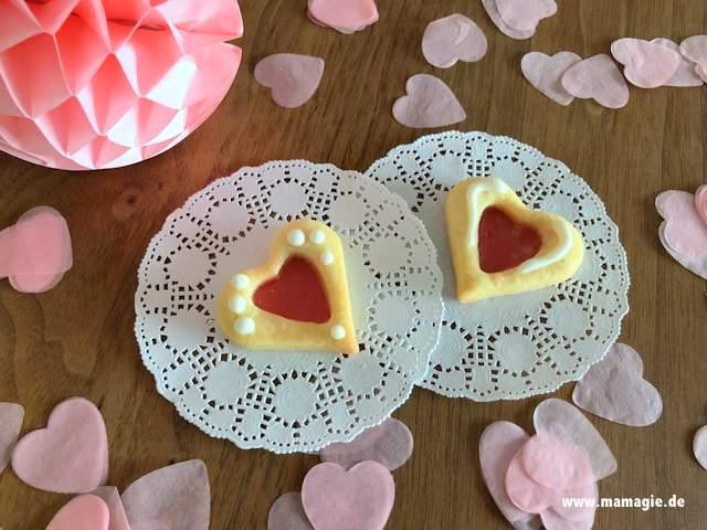 Selbstgebackene Kekse zum Valentinstag